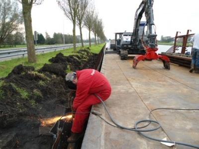 Elektrolas begeleidt project afkorten damwand op Noord Hollands kanaal.