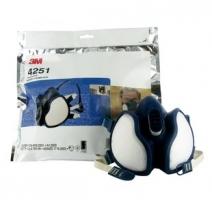 3M 4251 Halfgelaatsmasker FFA1P2D. Beschermt tegen gassen en organische dampen tot concentraties tot 1000ppm.